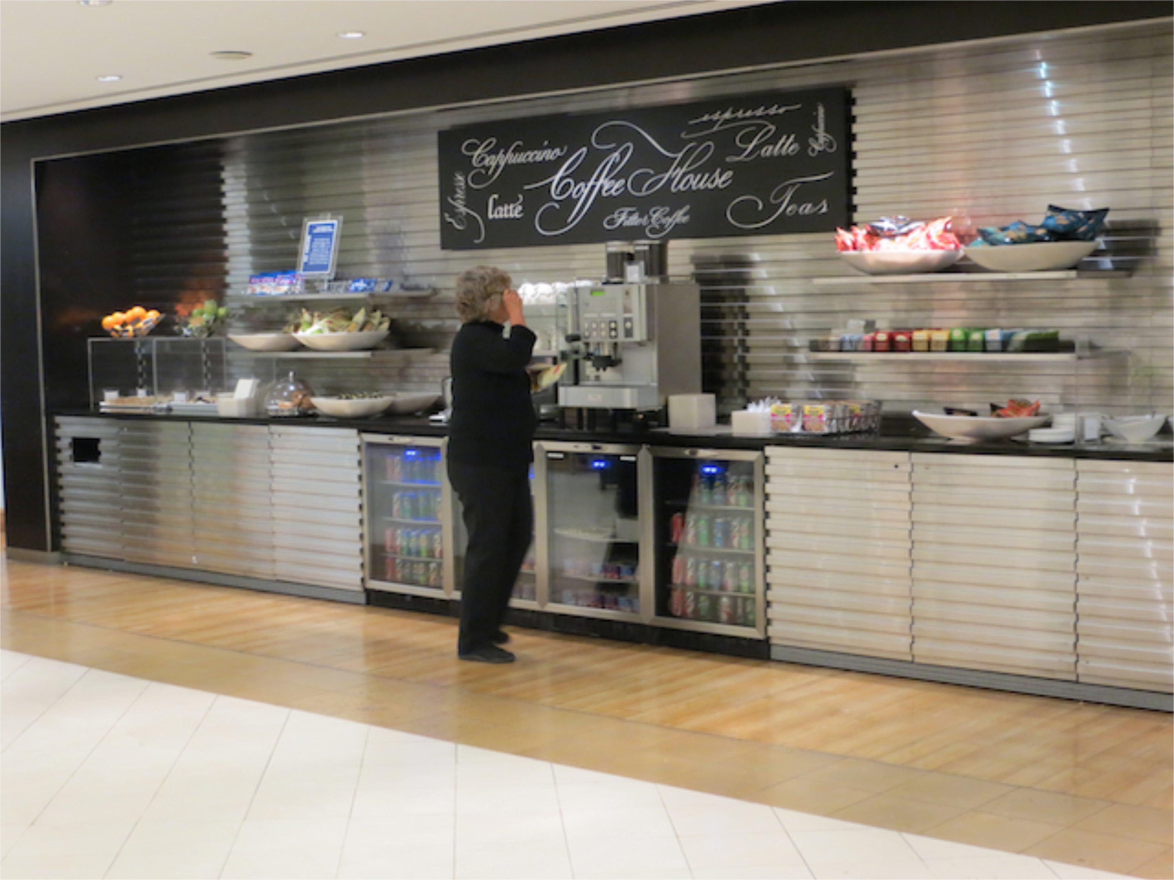 British Airways Galleries JFK Lounge - Cafe Refreshments