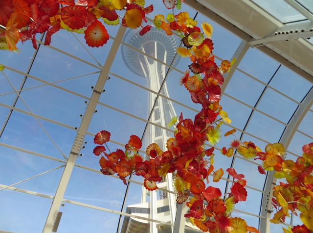 Chihuly Garden and Glass - Glasshouse and Space Needle