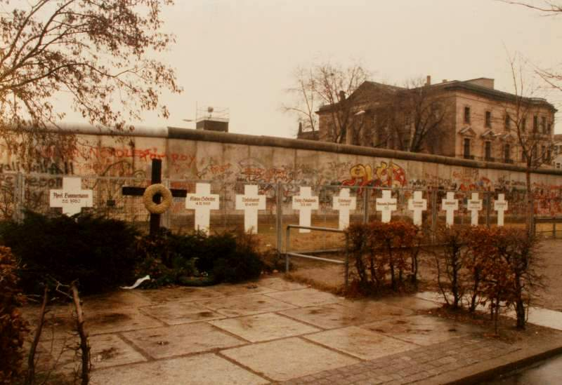 Memorials on the West Side of the Berlin Wall, 1987