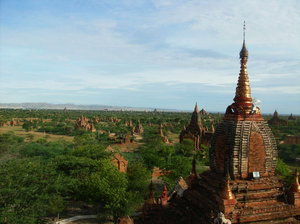 A Temple-top view of the Bagan plain