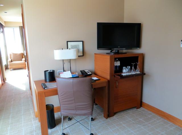 Review-Grand Hyatt Seattle-Living Area Desk and Flat Screen TV