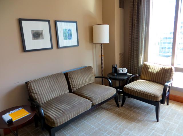 Review-Grand Hyatt Seattle-Corner Suite Living Area