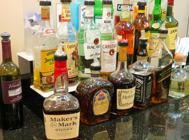 Review-American Admirals Club JFK Liquors and Alcohol