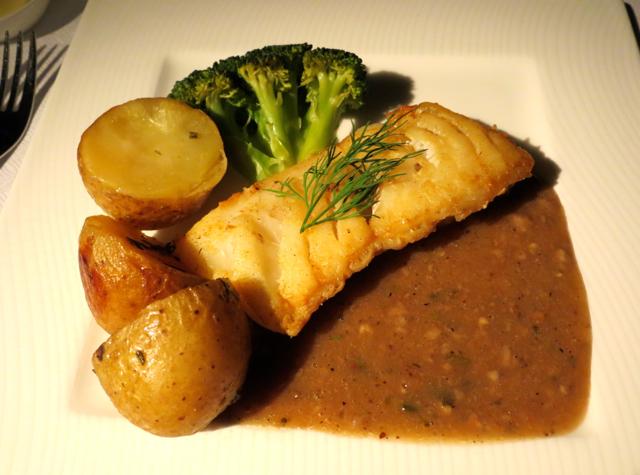 Review-Qatar Business Class NYC-JFK Doha - Dinner Fish Entree