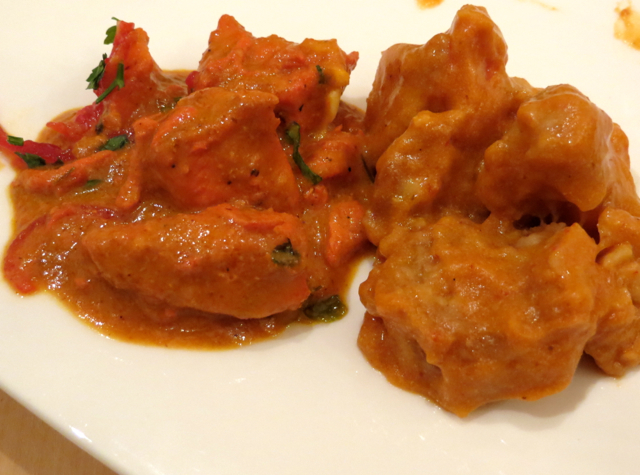 Review-Qatar Business Class Lounge in Doha - Butter Chicken and Seafood Thermidor