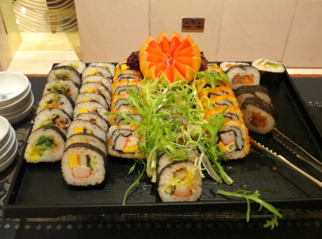 Review-Qatar Business Class Lounge in Doha - Sushi