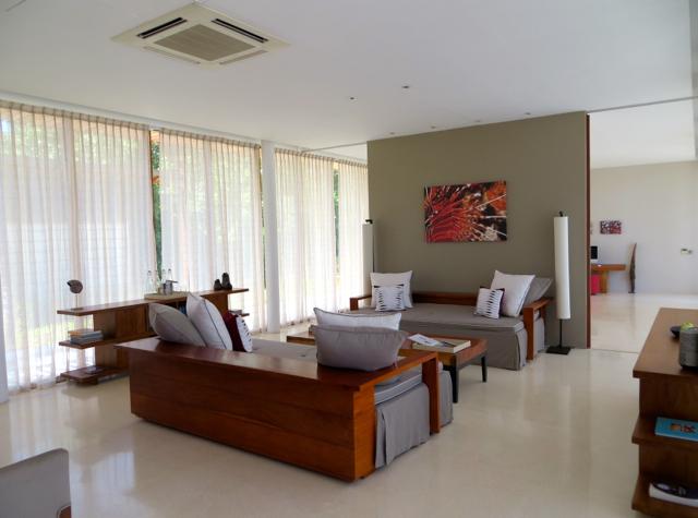 Park Hyatt Maldives Review - Guest Services