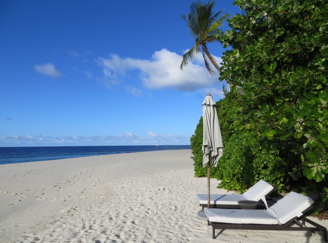 Park Hyatt Maldives Review - Park Villa Sunbeds