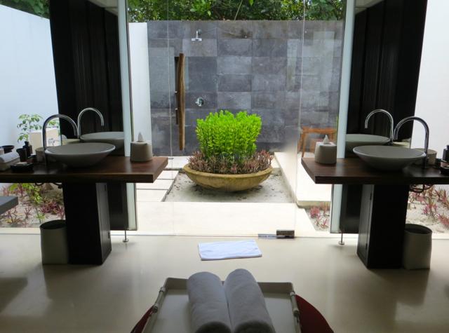 Park Hyatt Maldives Review - Park Villa Bathroom