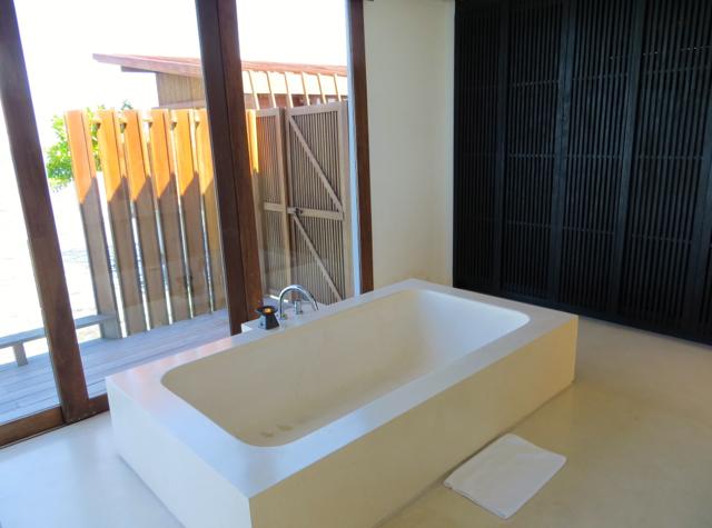 Park Hyatt Maldives Water Villa Review - Bathroom Soaking Tub