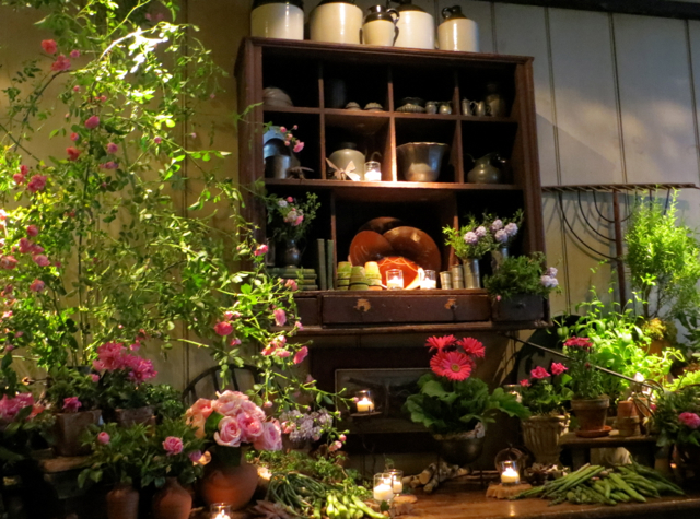 Gramercy Tavern NYC Restaurant Review - Flowers and Candles