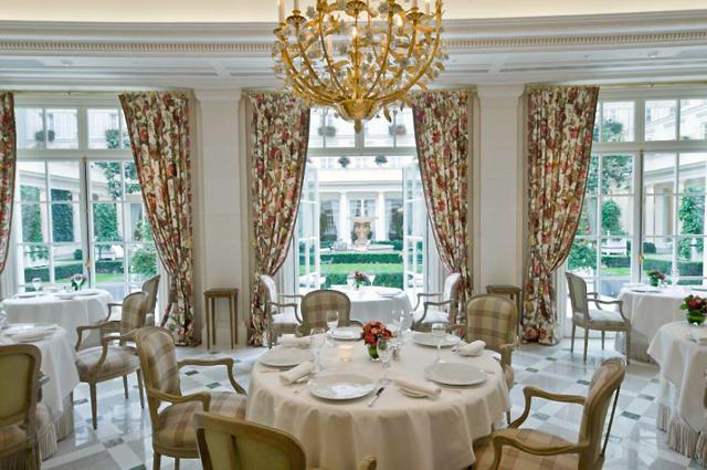 Top Paris Restaurants Open in August - Epicure at Hotel Le Bristol Paris