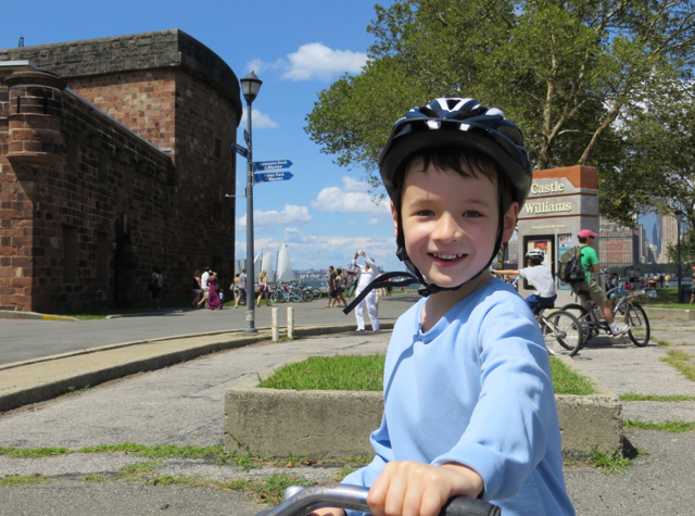 Governors Island - Bicycle Rental - Bicycling