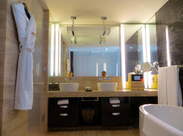 Mandarin Oriental Las Vegas Bathroom