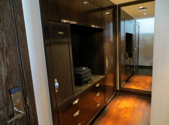Mandarin Oriental Las Vegas Review - Strip View Room Closet