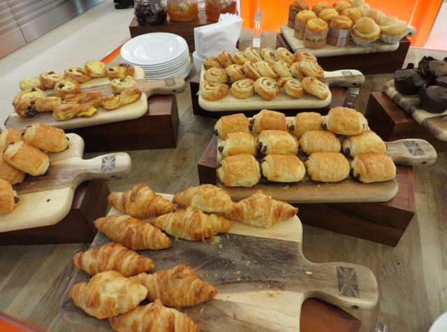 British Airways Galleries Arrivals Lounge Breakfast Pastries
