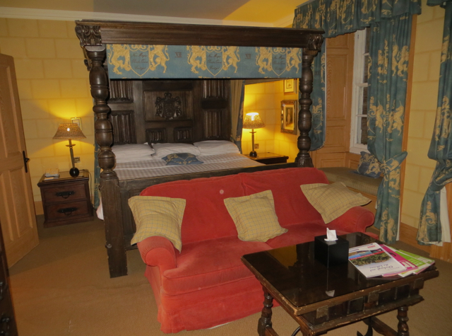 Dalhousie Castle Review Bonnyrigg Scotland - Edward I Themed Four Poster Room