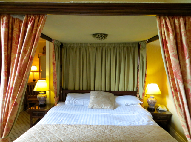 Dalhousie Castle Review Bonnyrigg Scotland - Themed Four Poster Bed