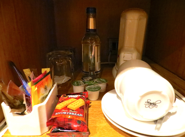 Dalhousie Castle Review - Bottled Water, Tea Maker and Shortbread Cookies