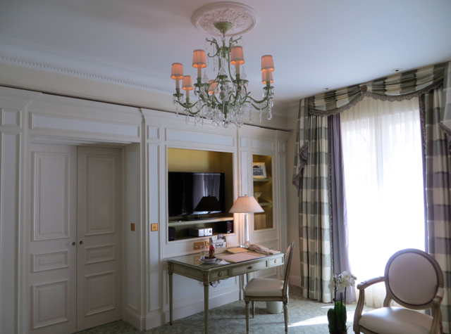 Four Seasons Paris Review - Four Seasons Suite
