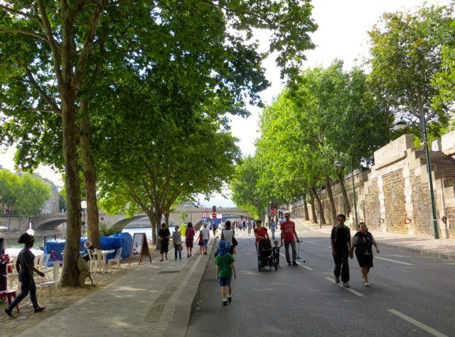 Paris Plages-Paris Beaches - Stroll by the Seine