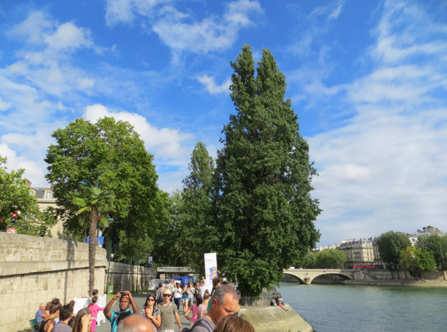 Paris Plages-Paris Beaches - Walking by the Seine