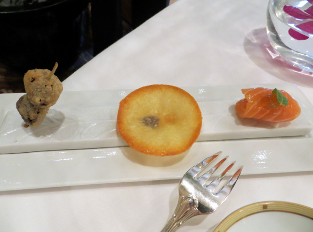 Le Cinq at Four Seasons Paris Restaurant Review - Amuse Bouche Presentation