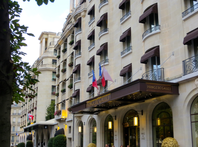 Best Paris Luxury Hotel Offers: Prince de Galles 4th Night Free