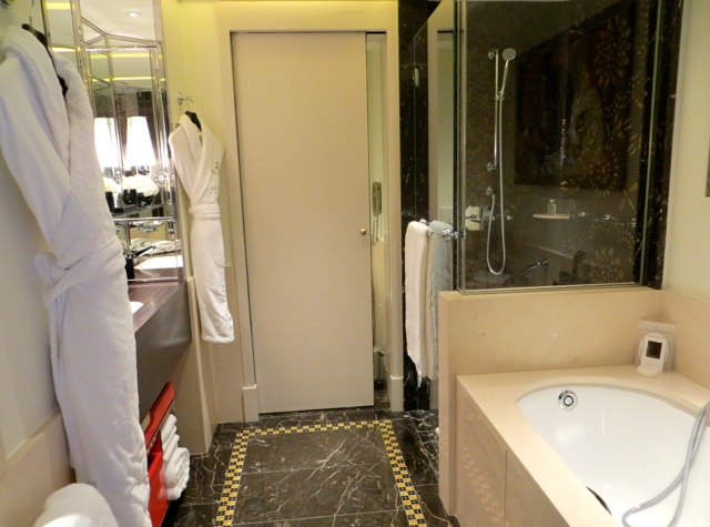 Prince de Galles Paris Review - Art Deco Bathroom