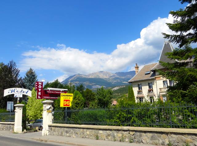 La Grande Eperviere Barcelonnette France Hotel Review - Entrance from Street