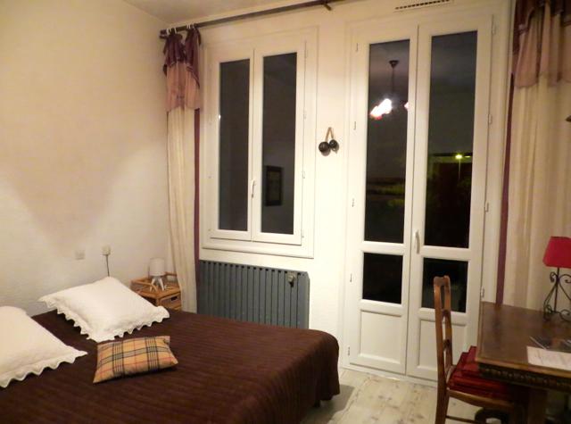 La Grande Eperviere Barcelonnette Hotel Review - King Bed