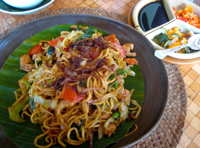 Amankila Bali Food Review - Breakfast - Mie Goreng