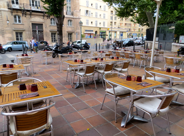 Vinoneo Bistro Marseille Restaurant Review - Outdoor Terrace