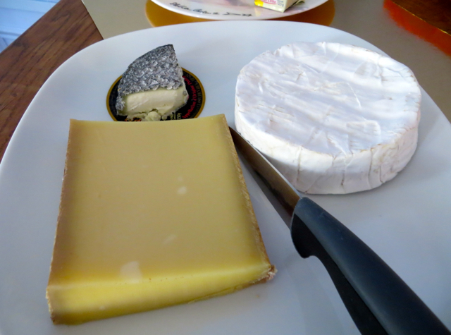Maison Stella Cadente Review-Provins, France-Cheese Plate