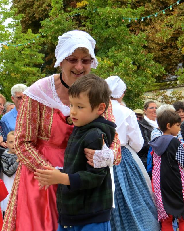 Folk Dancing, Fete de la Moisson, Provins France