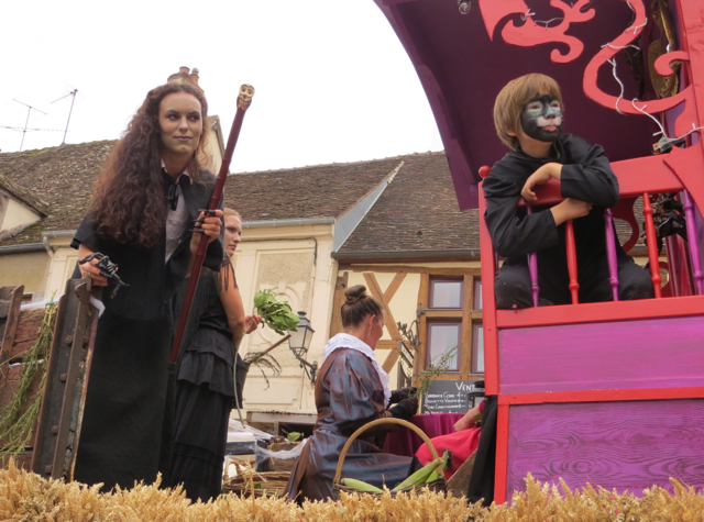 Provins France Fete de la Moisson - Witches' Float