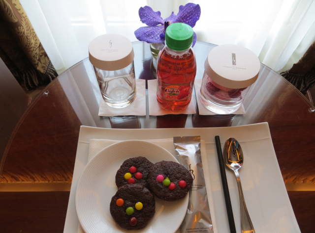 Hotel Fouquet's Barriere Paris Review - Yummy Kids' Welcome Amenities: Cookies, Juice, Marshmallows