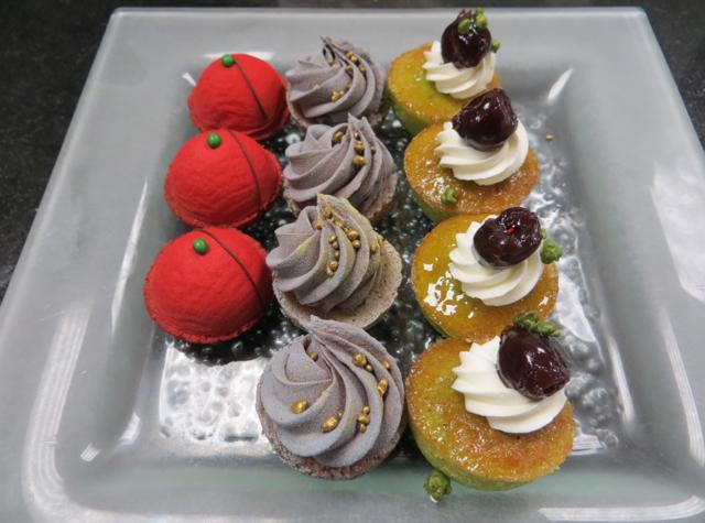 Four Seasons Paris - Mini Pastries Mignardises