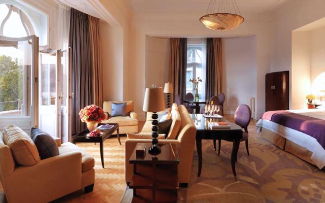 Top 10 Four Seasons Preferred Partner Guaranteed Upgrades-Four Seasons Gresham Palace Budapest