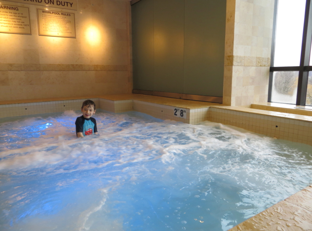 Four Seasons Boston Review - Jacuzzi Hot Tub