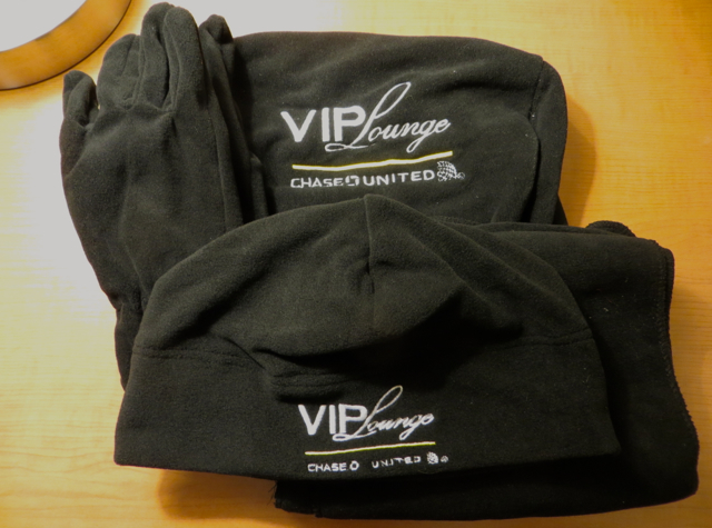 Chase VIP Lounge NYC for United Card Holders - Hat, Gloves, Scarf as Gifts