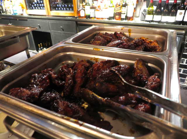 Chase VIP Lounge in NYC for United Card Holders - Super Bowl Week - Spicy Wings
