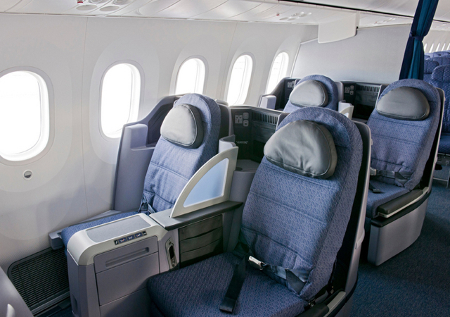 United 787-9 LA to Melbourne BusinessFirst Award Space