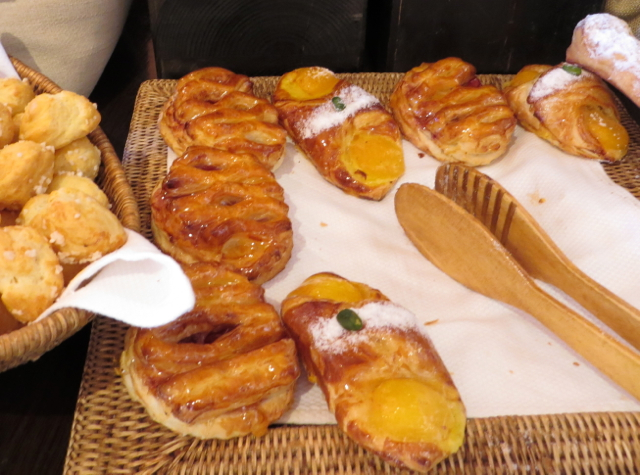 Solano at Four Seasons Marrakech Review - Breads and Pastries