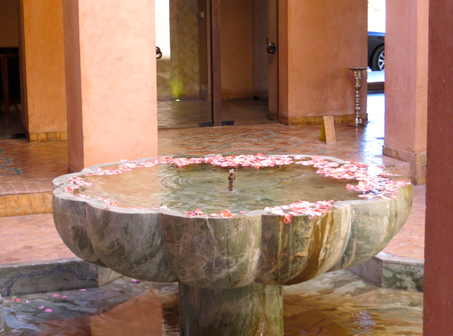 Amanjena Review Marrakech Morocco - Marble Fountain with Rose Petals, Courtyard