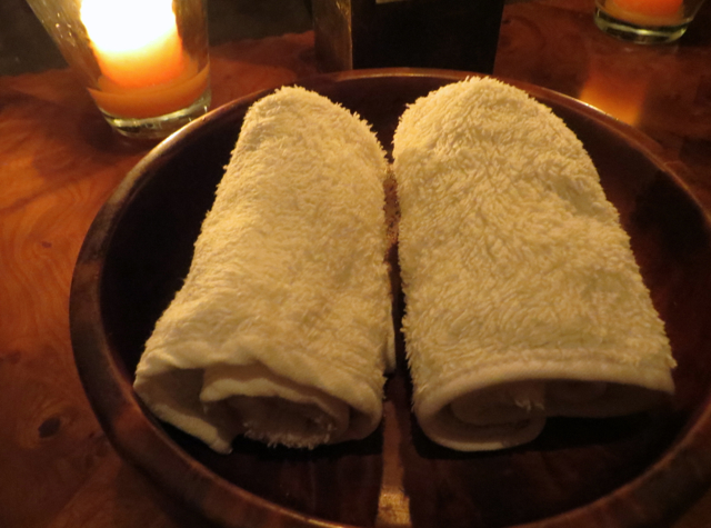 Amanjena Restaurant - Cool Towels After Meal