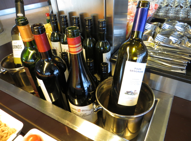 Iberia Business Class Lounge Madrid Review - Wine Bar