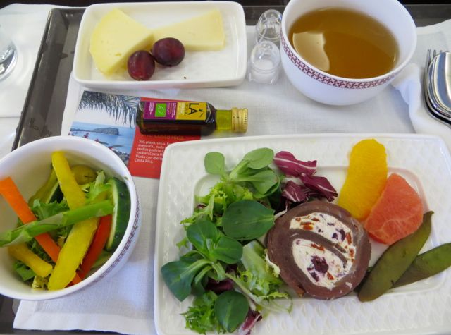Iberia Business Class A340-600 Review - Appetizer and Cheese