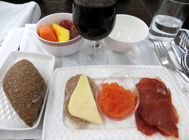Iberia Business Class A340-600 Review - Pre-Arrival Snack