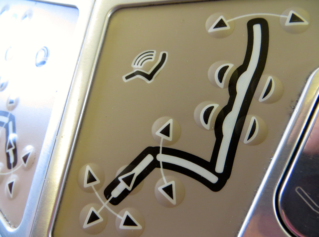 Iberia Business Class A340-600 Review - Seat Controls